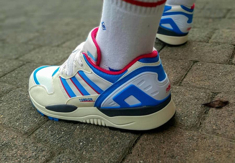 Adidas ZX 0000 blanche bleue et rose (5)