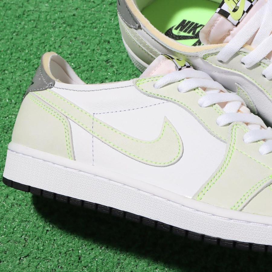 Air Jordan One blanche et vert pâle 2021 (2)