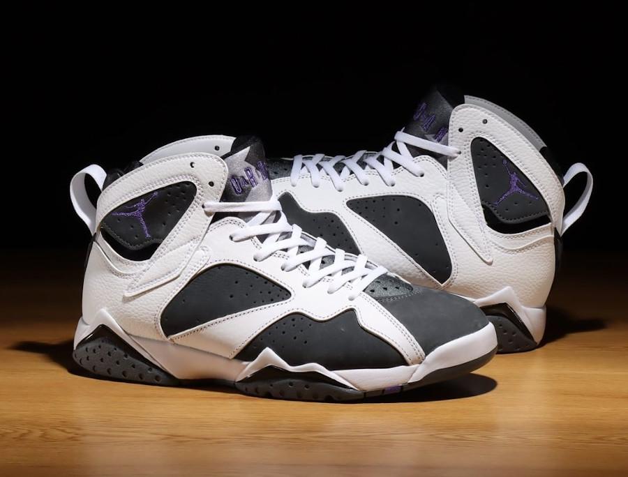 Air Jordan VII blanche grise et violette (1)