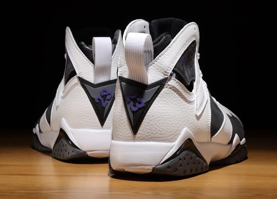 Air Jordan VII blanche grise et violette (2)