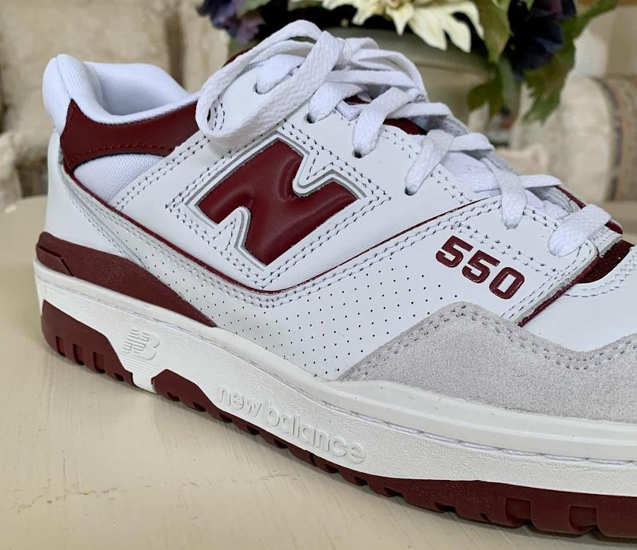 New Balance 550 blanche et bordeaux pour homme (1)