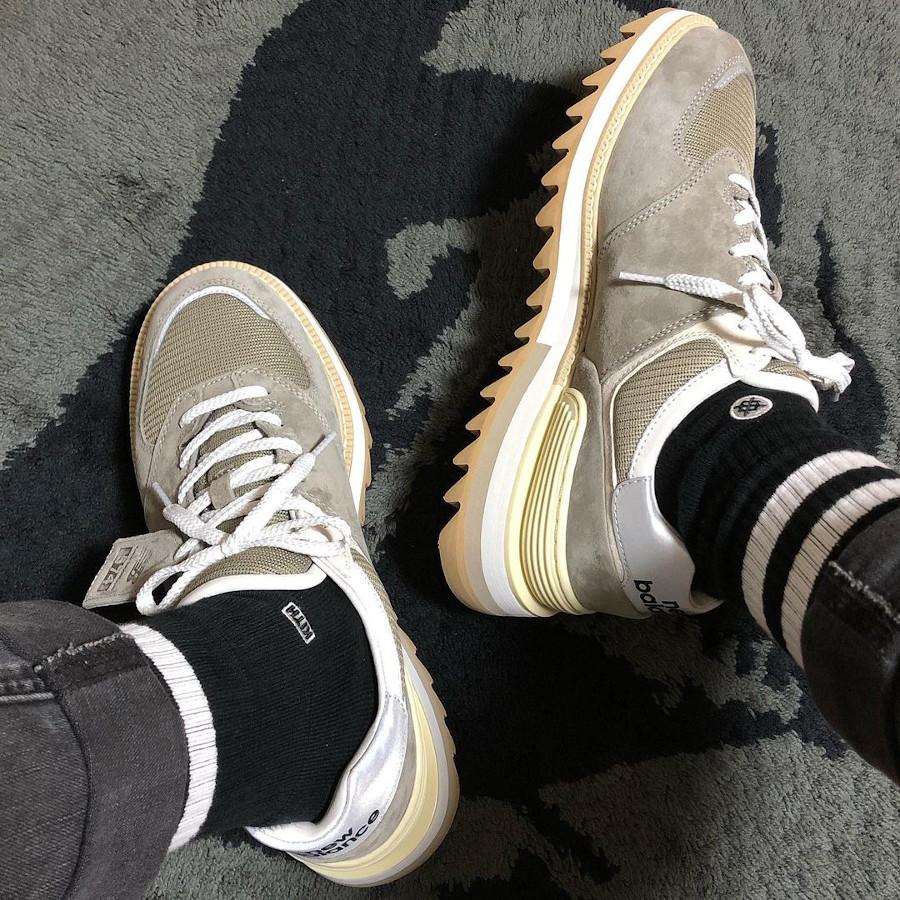 New Balance TDS 574 Vibram Ripple Sole grise on feet (2)