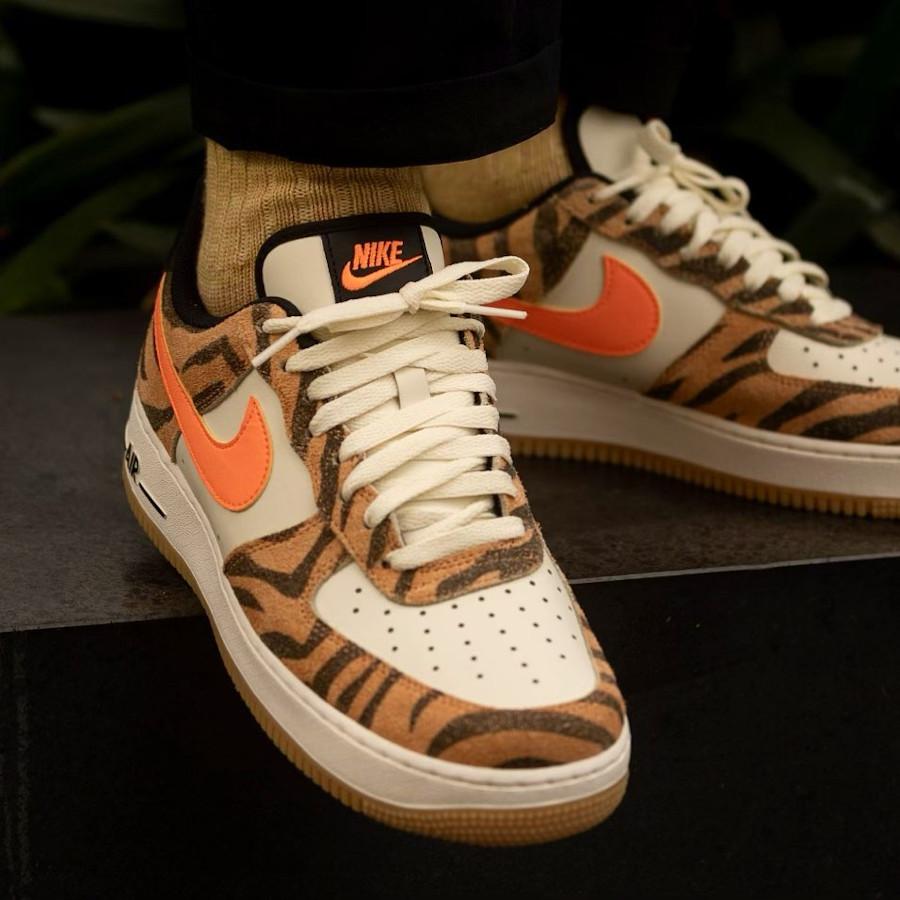 Nike AF1 '07 PRM Daktari Stripes Coconut Milk Fuel Orange
