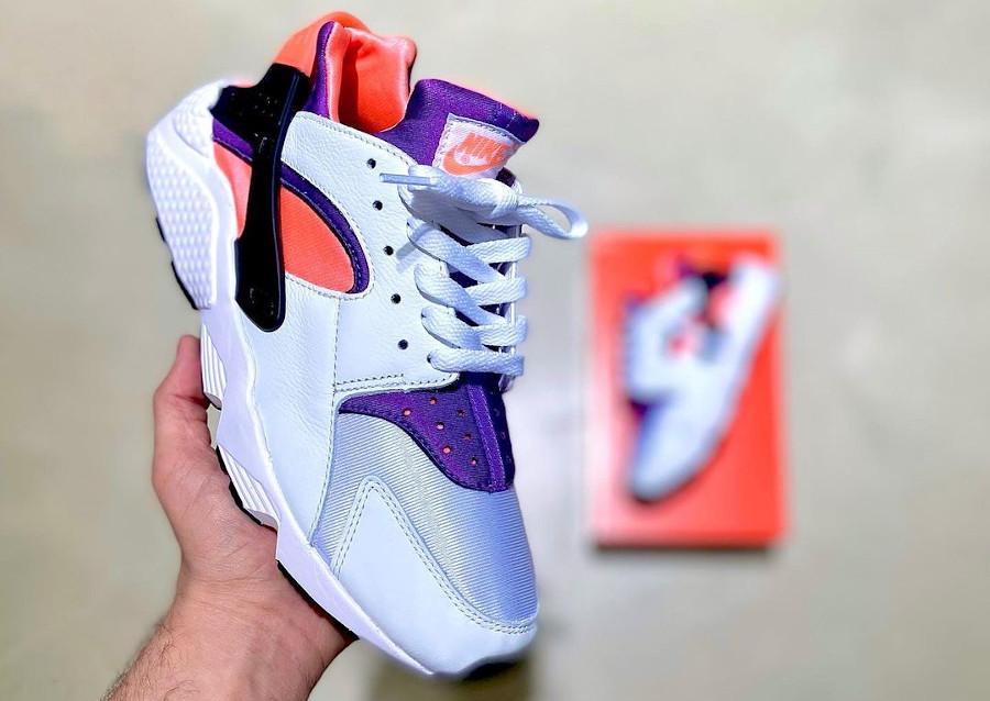 Nike Air Huarache Run blanche rose et violet (30ème anniversaire) (1)