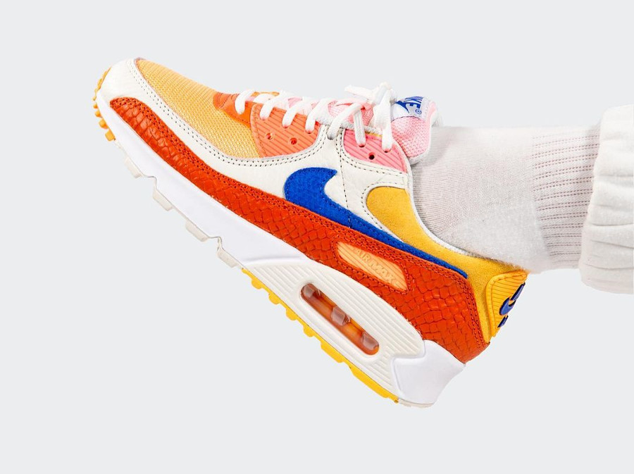 Nike Air Max 90 écailles de serpent multicolores on feet (2)