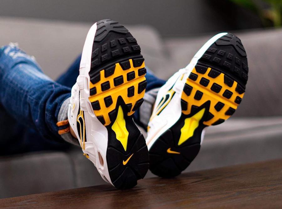 Nike Air Max 96 II Smoke Grey on feet (6)