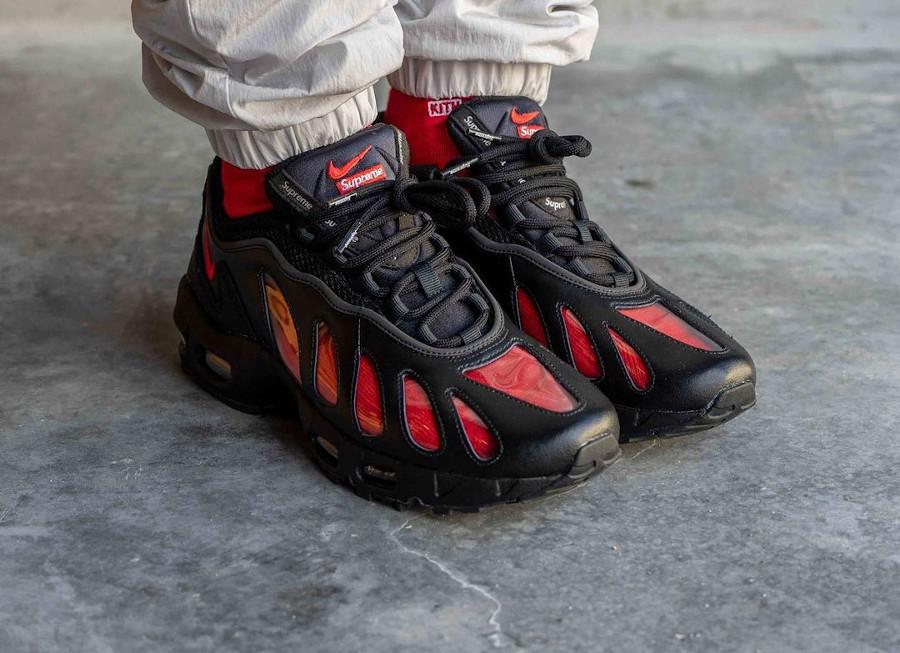 Nike Air Max 96 x Supreme noire CV7652-002 (1)