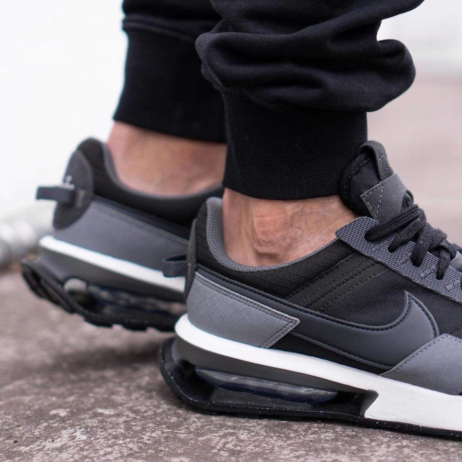Nike Air Max Pre Day noire et grise (2)