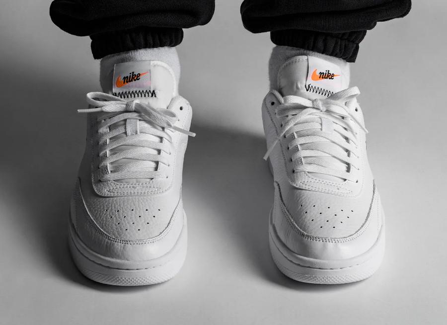 Nike Court Premium Vintage White Total Orange pas cher