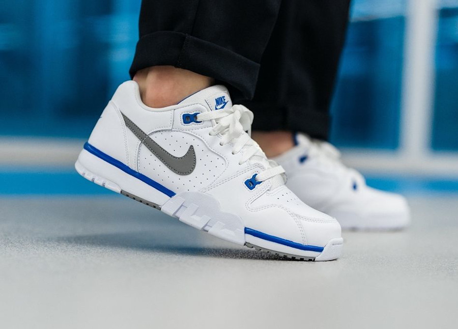 Nike Cross Trainer Low White Particle Grey Astronomy Blue pas cher