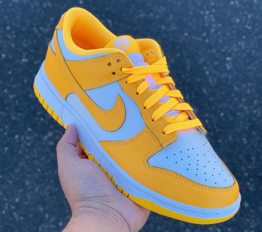 Nike Dunk Low jaune vif pour fille (1)