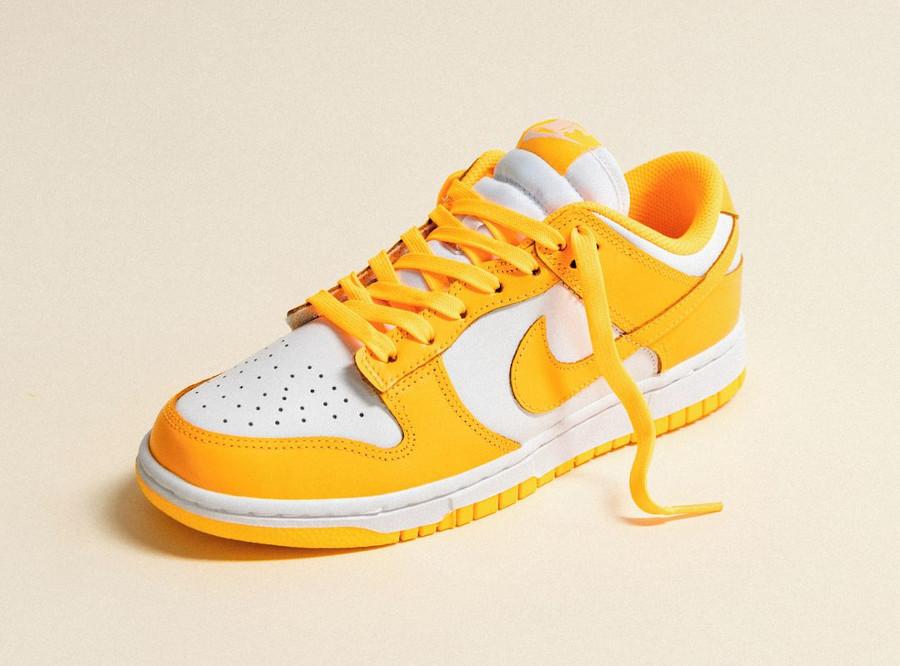 Nike Dunk Low jaune vif pour fille (2)