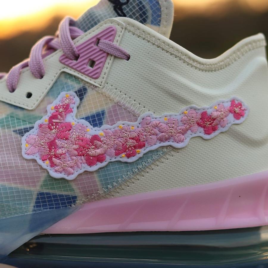 Nike Lebron 18 Low fleurs de cerisier (2)