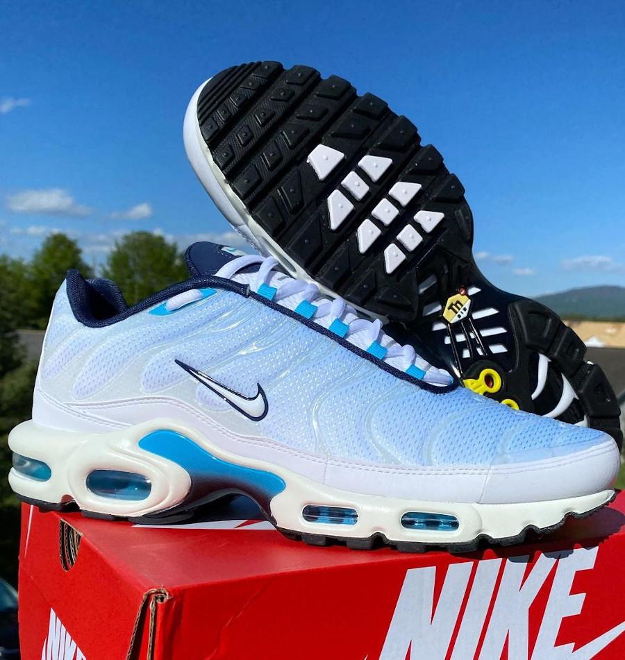 Nike Tuned 1 2021 bleu ciel (1)