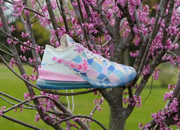 Nike x Atmos Lebron 18 Low NRG Sakura Cherry Blossom (couv)