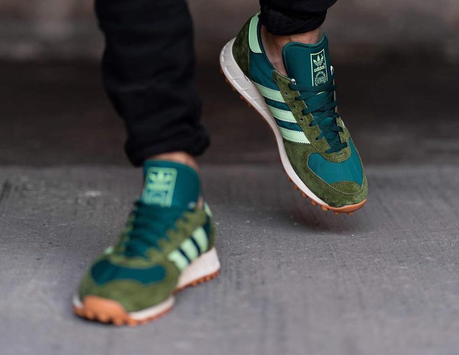 Adidas TRX Vintage vert et marron on feet (2)