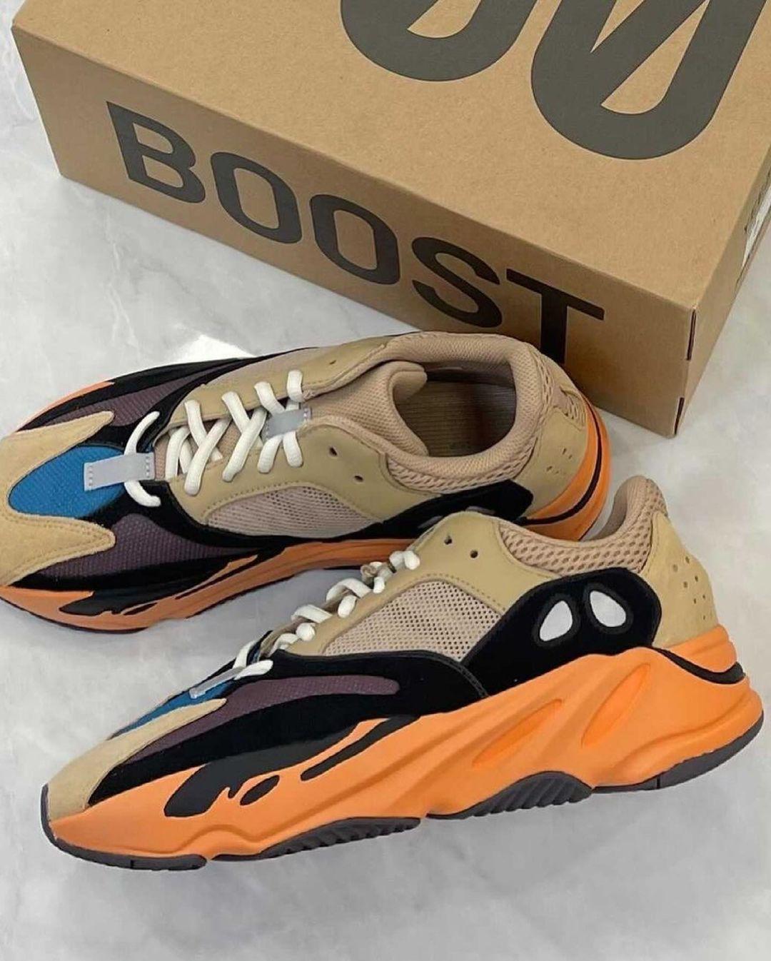 Adidas Yeezy 700 beige bleue et orange (5)
