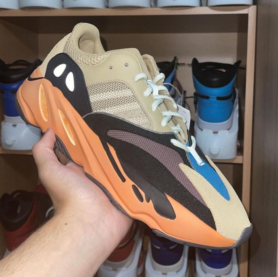 Adidas Yeezy 700 beige bleue et orange (6)