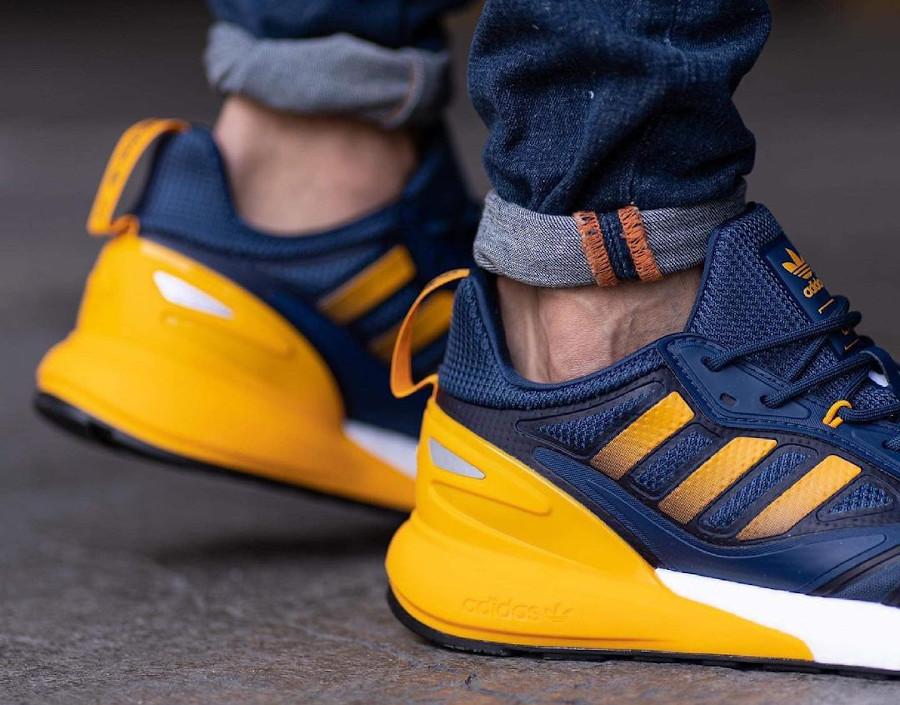 Adidas ZX 2K Boost 2.0 bleu foncé et jaune (1)