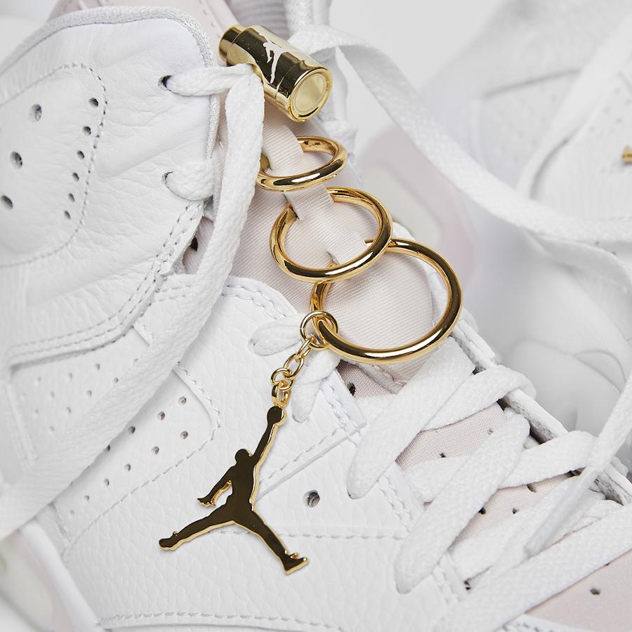Air Jordan VI boucles d'oreilles dorées (1)