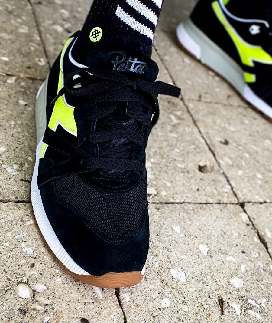 Diadora N9000 noire et vert fluo on feet (3)