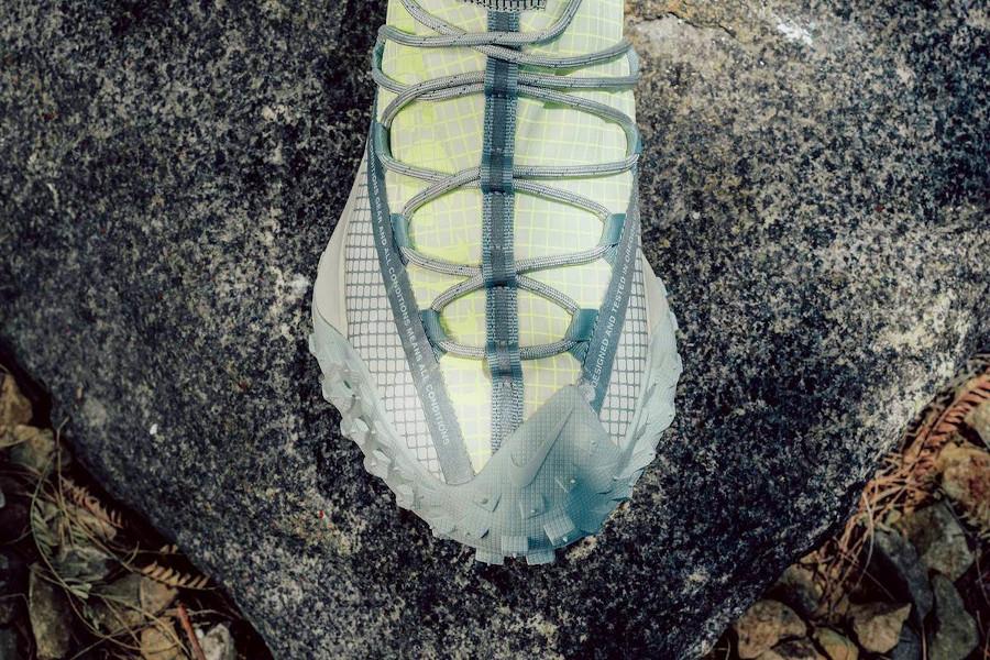 Nike ACG Mountain Fly Low vert fluo et beige (4)