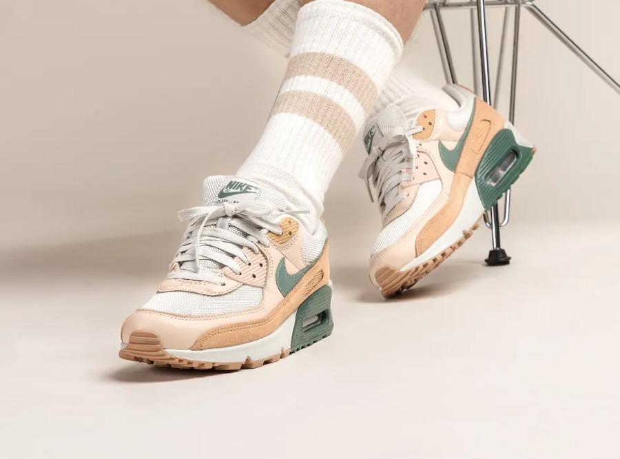 Nike Air Max 90 Dutch Green on feet