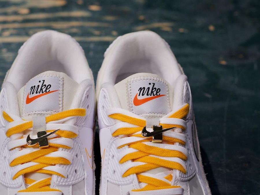 Nike Air Max 90 femme blanche beige et dorée (3)
