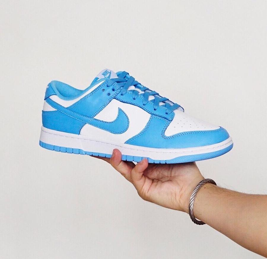 Nike Dunk Low blanche et bleu ciel pour homme (3)