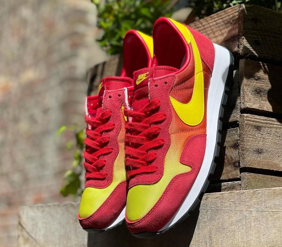 Nike Omega Flamme OG rouge orange et jaune (1)