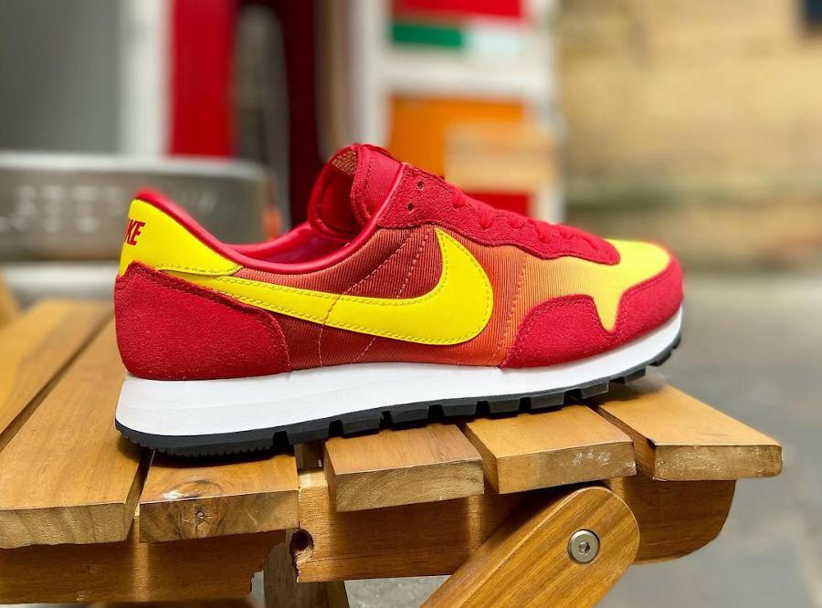 Nike Omega Flamme OG rouge orange et jaune (2)