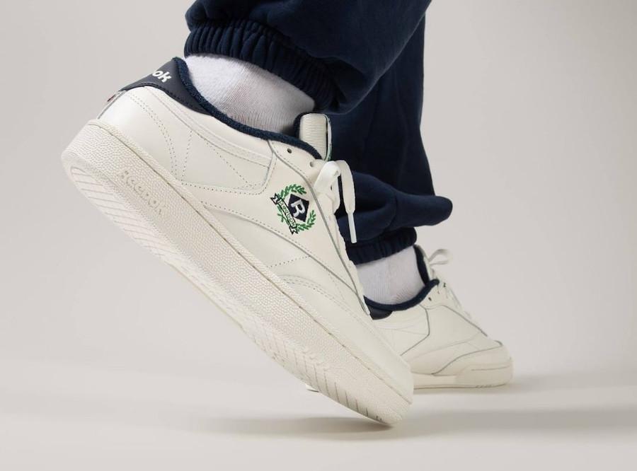 Reebok Club C 85 couronne de laurier on feet (1)