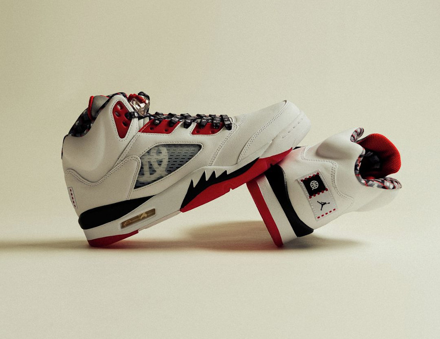 AJ5 Streetball blanche et rouge (1)