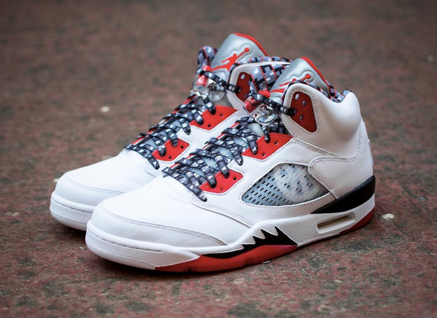 AJ5 Streetball blanche et rouge (4)