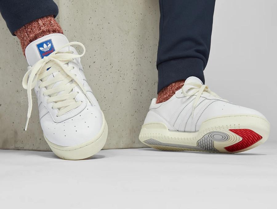 Adidas Burnden blanche et crème (2-1)