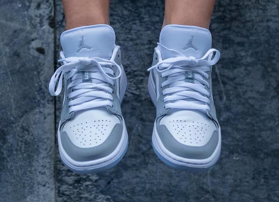 Air Jordan 1 Low White Wolf Grey on feet DC0774-105 (1)