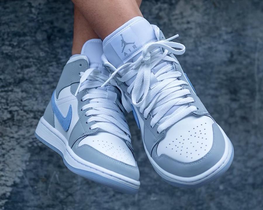Air Jordan 1 Mid White Wolf Grey on feet BQ6472-105 (3)