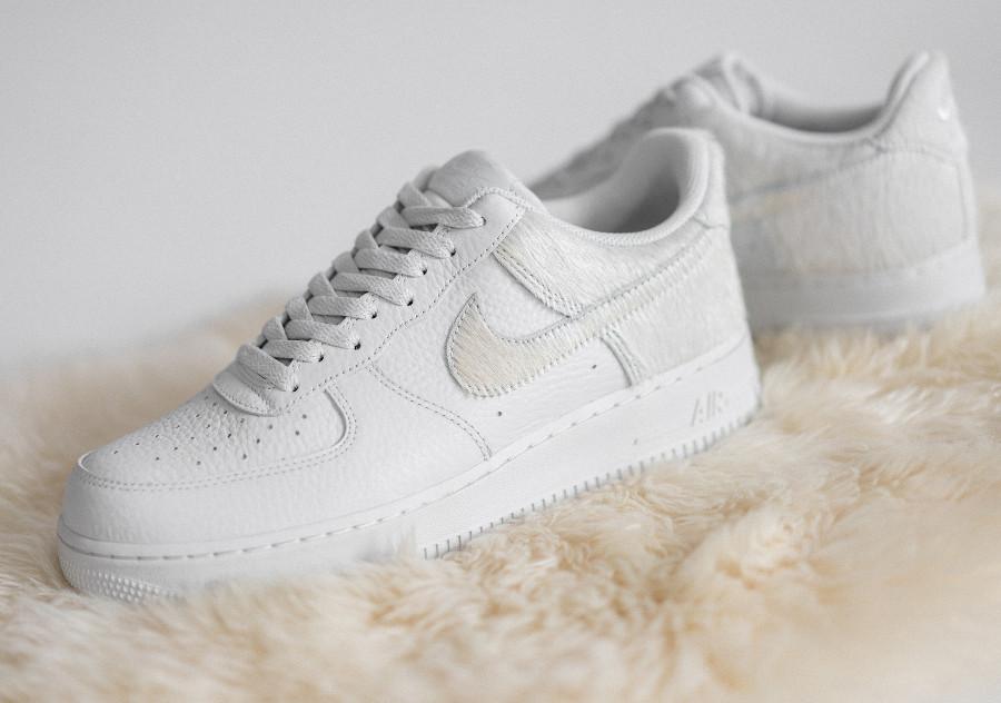 Nike Air Force 1 en fourrure blanche (1)