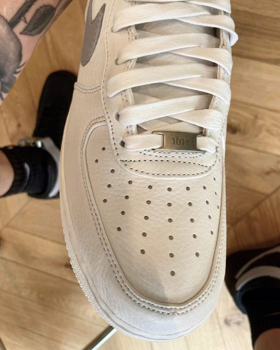 Nike Air Force One blanche et grise CQ4018-104 (2)