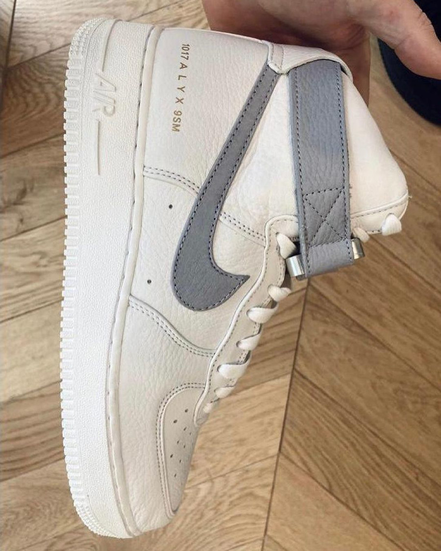 Nike Air Force One blanche et grise CQ4018-104 (3)