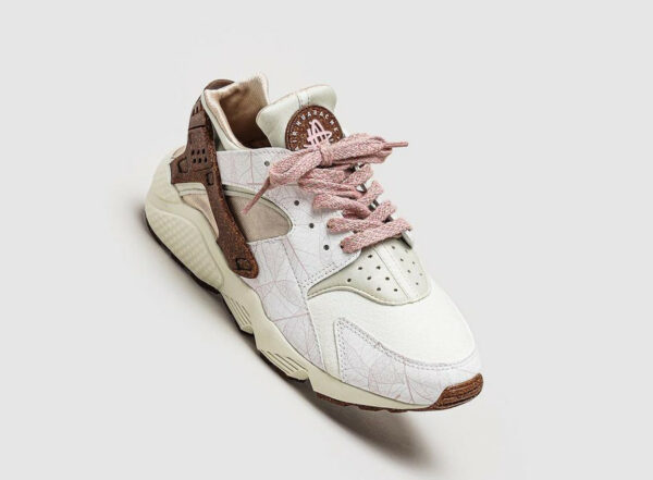 Nike Air Huarache Cork 'Pink Glaze' Rattan