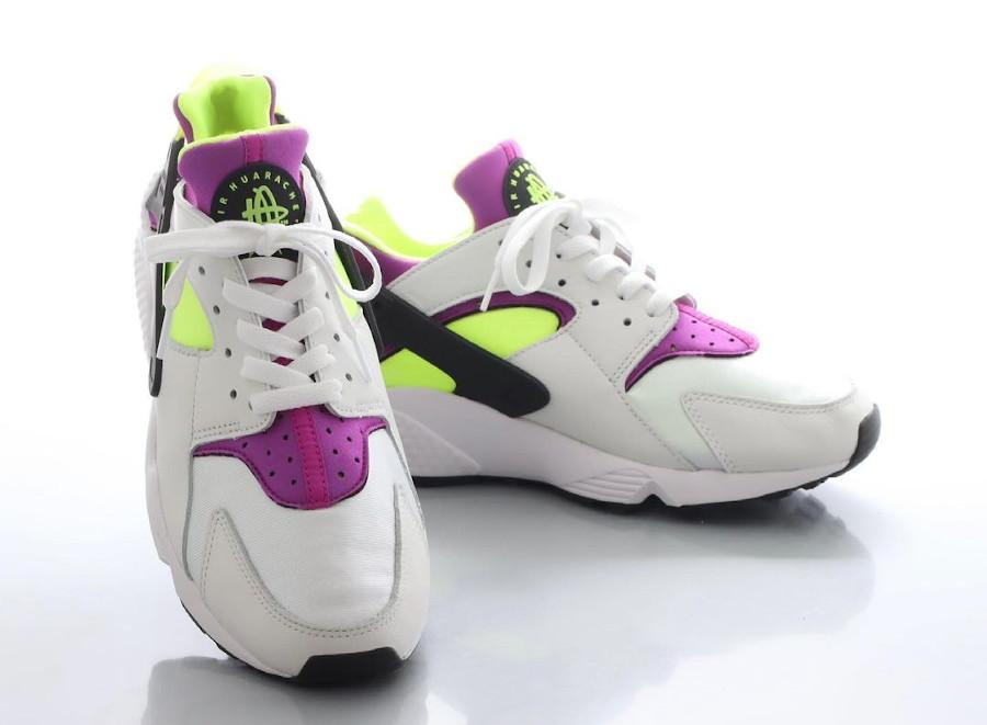 Nike Air Huarache blanche vert fluo et violette (2)