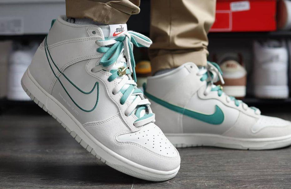 Nike Dunk High First Use Green Noise Light Bone on feet