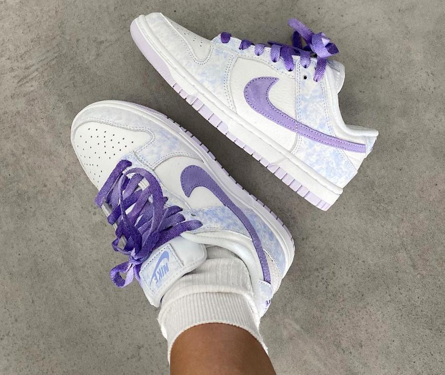 Nike Dunk Low Wmns Purple Pulse on feet DM9467-500