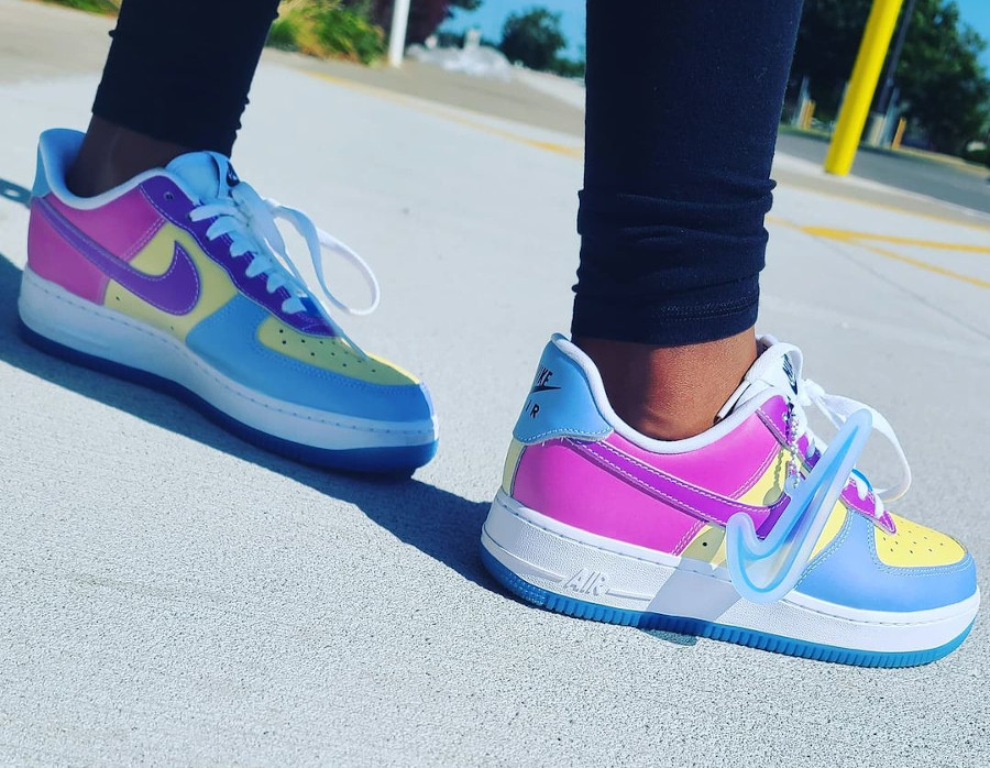 Nike W AF1 '07 LX UV Reactive Swoosh White Blue on feet