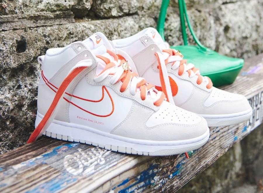 Nike Wmns Nike Dunk Hi FU blanche et orangée (2)