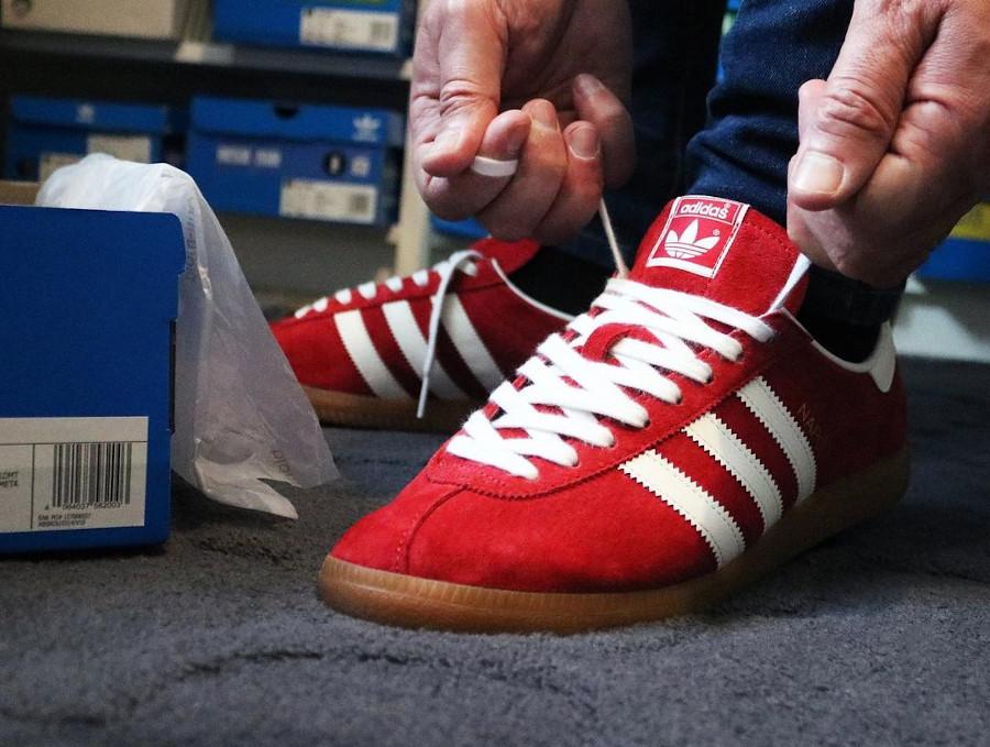 Adidas Naple rouge et gomme (3)