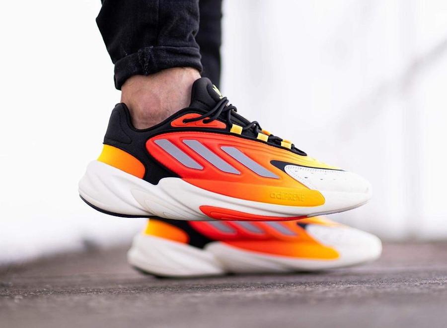 Adidas Ozelia noire jaune et orange on feet (3)
