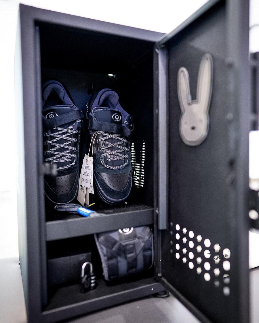 Adidas x Bad Bunny Forum Buckle Low 84 noire Back to School Triple Black GW5021