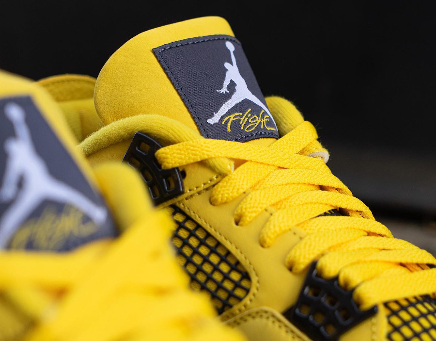 Air Jordan IV en suède jaune moutarde (4)